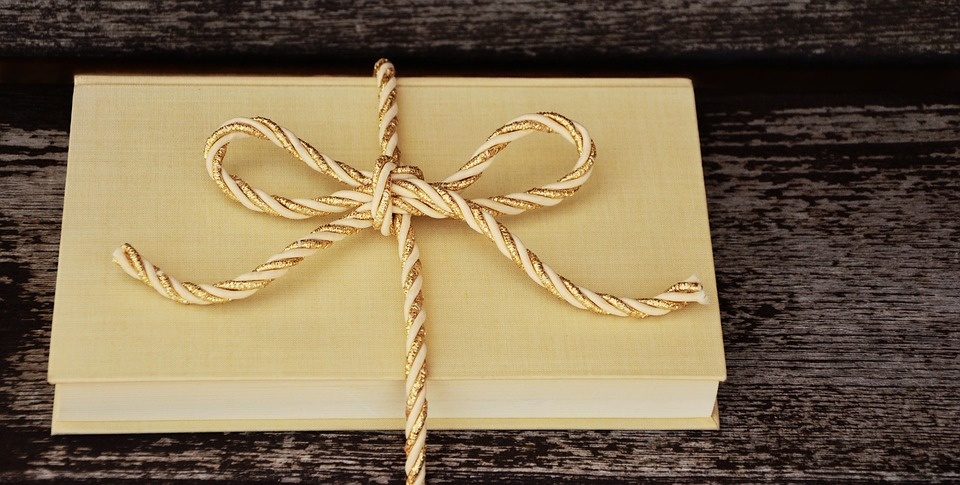 Что подарить риэлтору - книгу